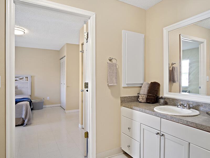 Tampa-Resident-Bath